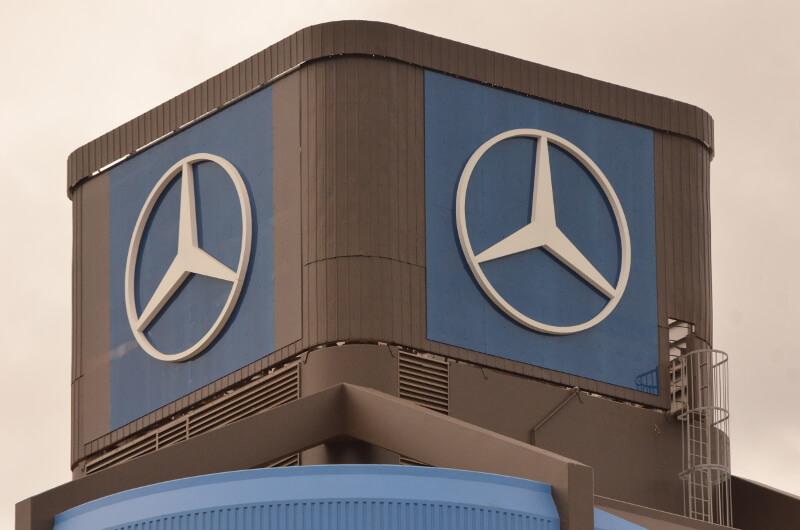 Mercedes_high_level_sign_9148.JPG-1